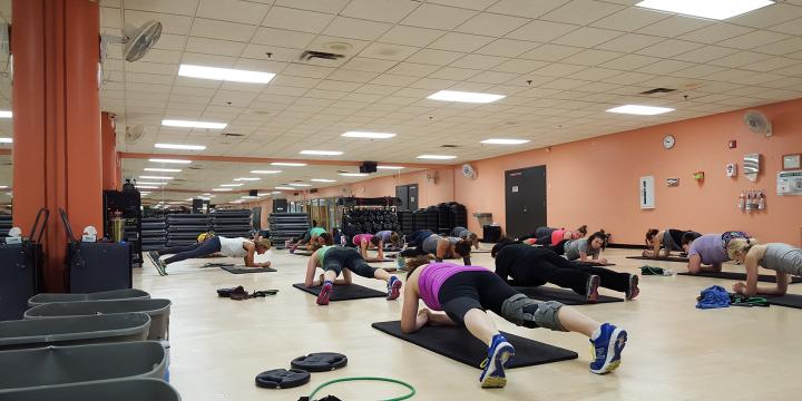 Elmhurst core training with planks